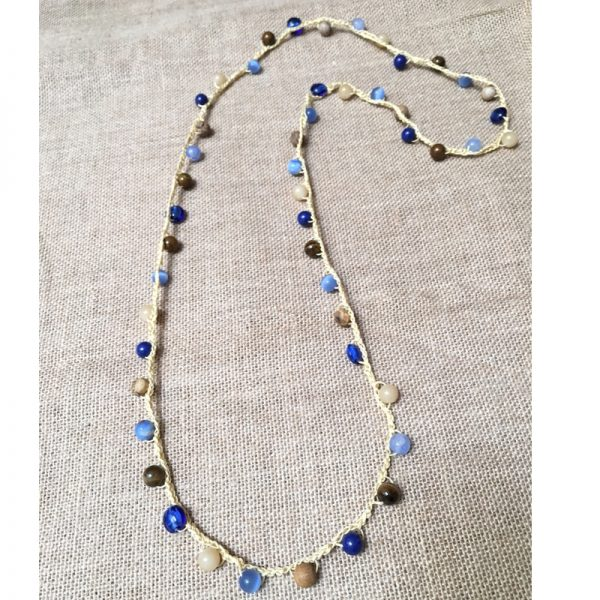 collar-ganchillo-y-piedra-natural-azul-2