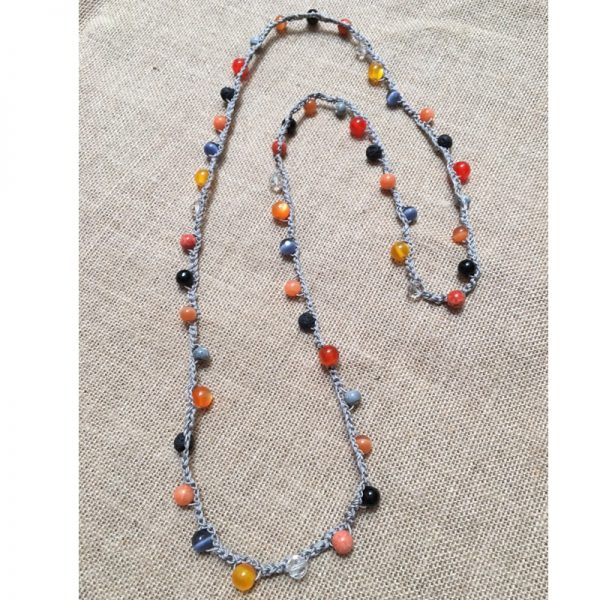 collar-ganchillo-y-piedra-natural-naranja